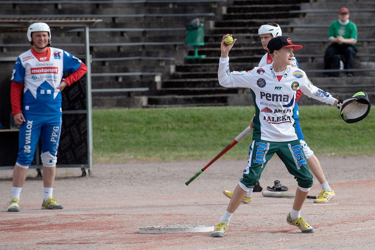 Elmeri valittiin Varsinais-Suomen parhaaksi C-pojaksi 2019, aivan kuten Joona valittiin 2016.